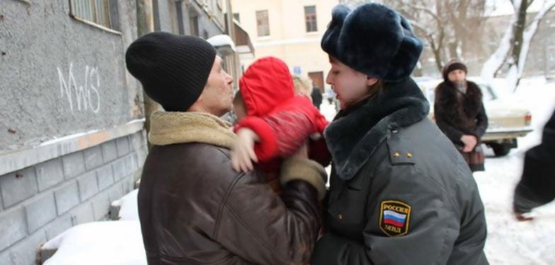 С кем остаются дети после ареста родителей